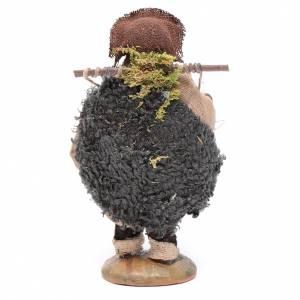 Uomo con gabbia di galline 10 cm s3