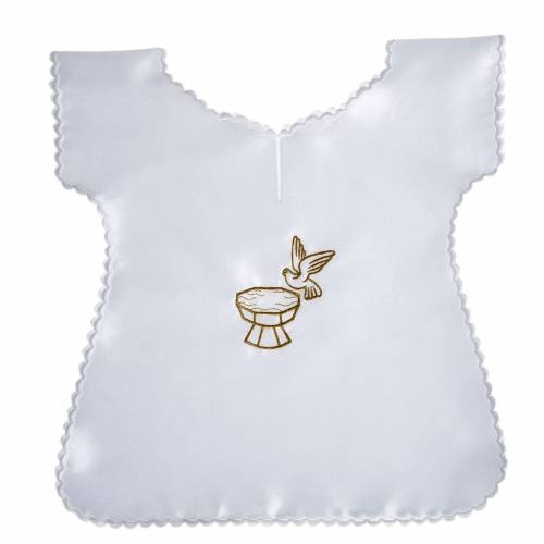 Baptismal gown in satin with dove and baptismal font s1