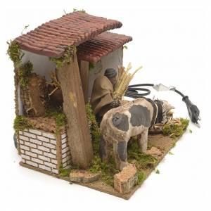 Santons animés crèche de Noël: Berger à la vache animé pour crèche 8cm