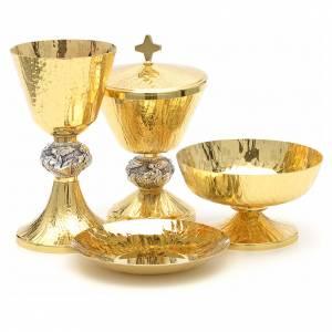 Calici Pissidi Patene metallo: Calice pisside patene ottone cesellato e argento con angeli