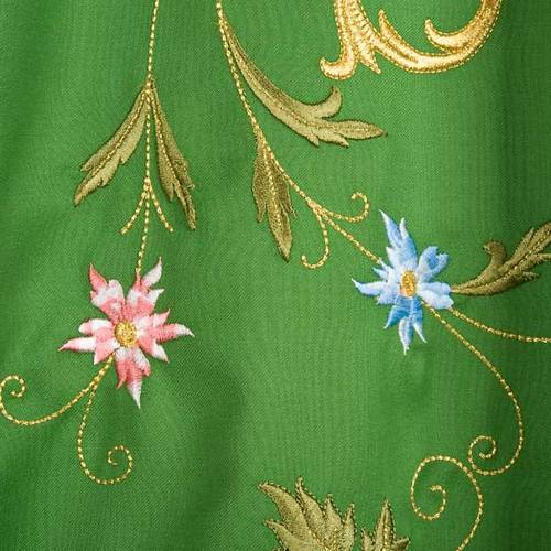 Chasuble in wool with IHS symbol and gold motifs s6