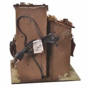 Chaumière crèche avec four effet feu 25,5x24x21 cm s4
