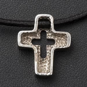 Colgante de cruz plata con tallado s4