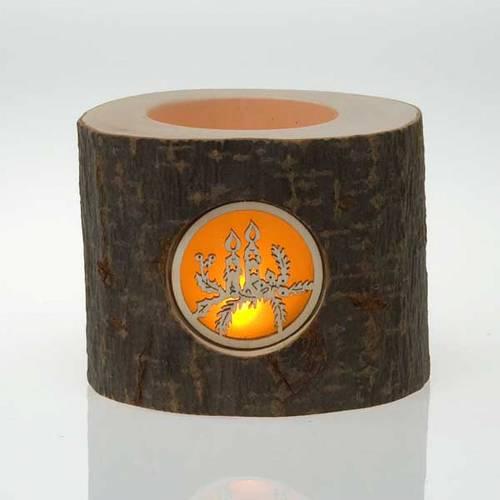 Crèche dans un tronc de Noel avec bougies s2