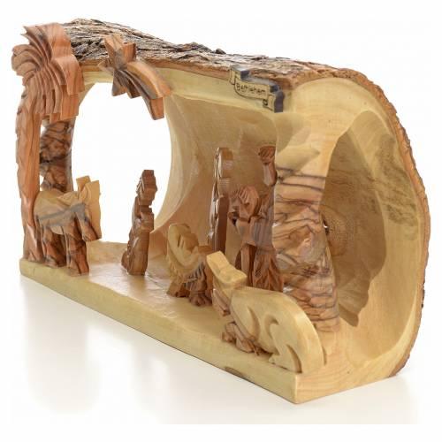 Crèche taillé en morceau bois d'olivier de Terre Sainte s2