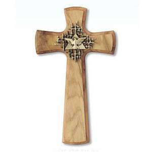 Wooden crucifixes: Cross in olive wood with the Holy Spirit symbol