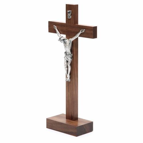 Crucifix de table en bois de noix avec base s2