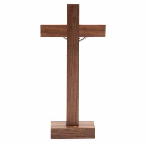 Crucifix de table en bois de noix avec base s4