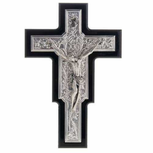 Crucifix in sterling silver on black wood s1
