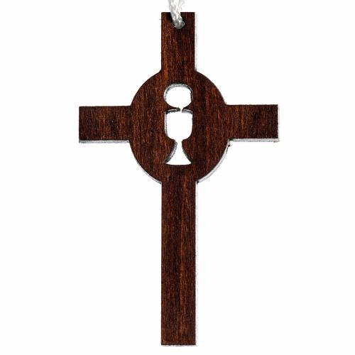Cruz madera oscura primera comunión cáliz hostia tallados s1
