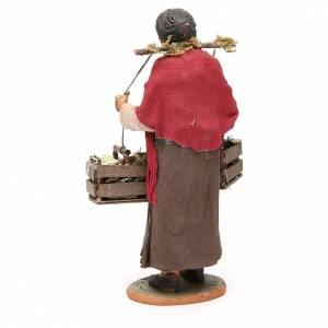 Femme avec caisses raisin 30 cm crèche Naples s3