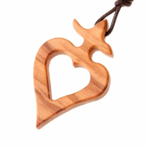 Heart shaped pendant with olive wood cross s1