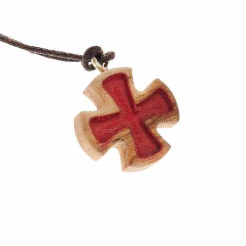 Maltese cross in olive wood with carving, red s1