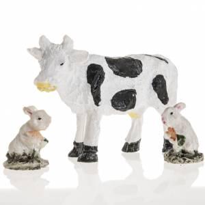 Animali presepe: Mucca e conigli resina presepe 10 cm