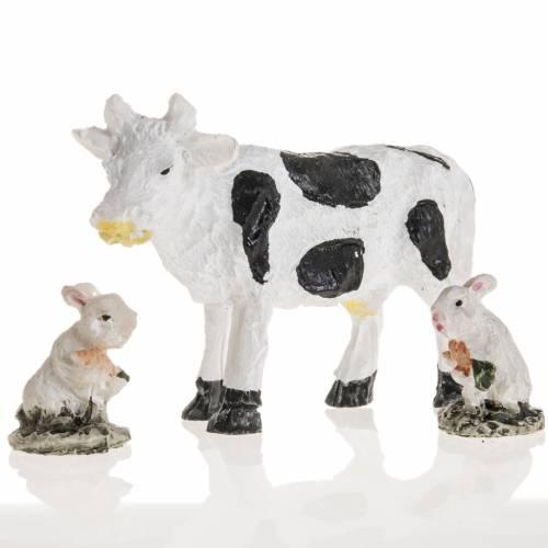 Mucca e conigli resina presepe 10 cm s1