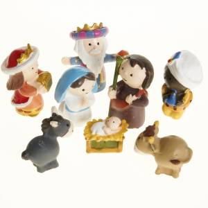 Resin and Fabric nativity scene sets: Nativity scene in coloured resin, 8 figurines 4,5cm