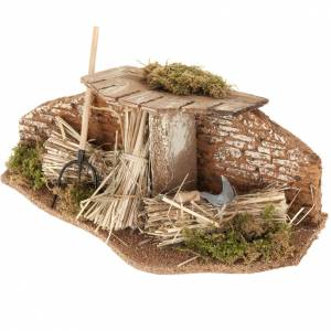 Nativity set setting, fork with straw bundles and roof s1