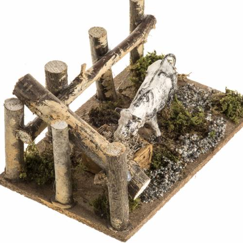 Nativity setting: cow and wooden fence s3