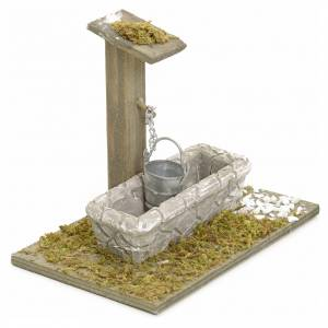 Fountains: Nativity setting, fountain with bucket