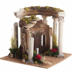 Nativity setting, Roman temple with columns and house s1