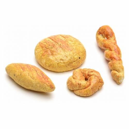 Neapolitan Nativity, assorted models of bread s2