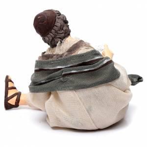 Pastore per presepe seduto con pecorella 15 cm resina s4