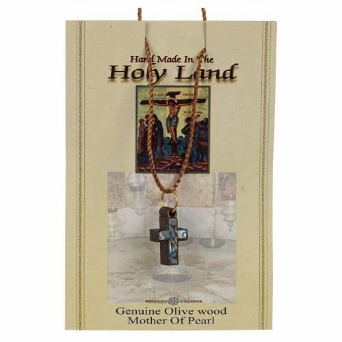 Pendentif croix bois Terre sainte et nacre bord vert s3