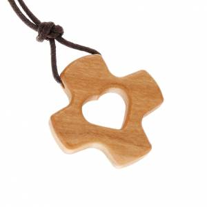 Wooden cross pendants: Perforated cross with heart in olive wood