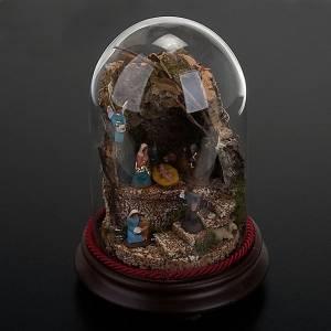 Pesebre en campana de vidrio con ambiente 20 cm de altura s5