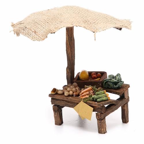 Puesto de mercado para belén con sombrilla y verduras 16x10x12 cm s2