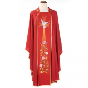 Red chasuble in wool with Holy Spirit and roses s3