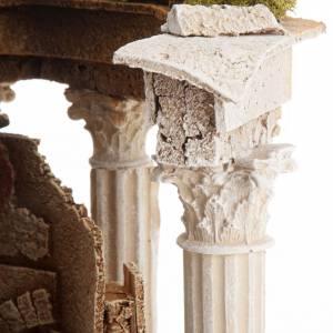 Temple romain avec colonnes et petite maison pour crèche s5
