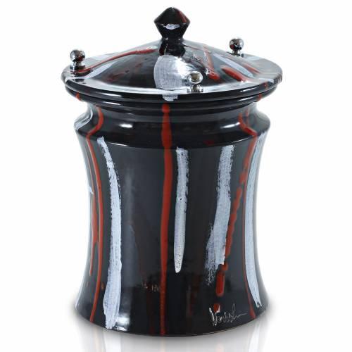 Urna cineraria ceramica pomelli ottone pennellate su nero s1