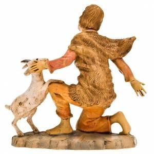 Figury do szopki: Pasterz klęczący z owieczką 18 cm