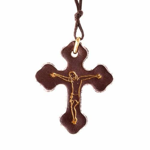 Pendente croce trilobata cuoio e cordino s1