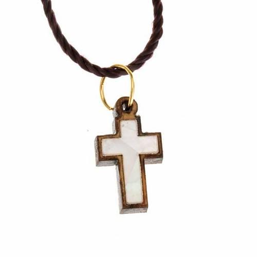 Pendentif croix bois Terre sainte avec nacre s1
