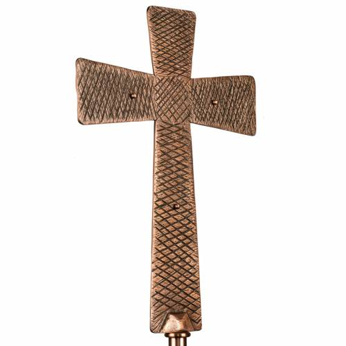 Processional cross in bronze with Stations of the Cross images s8