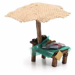 Puesto de mercado para belén con sombrilla, pez y mejillones 16x10x12 cm s4