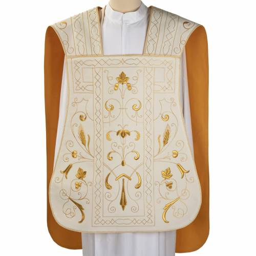 Roman chasuble with golden embroidery s1