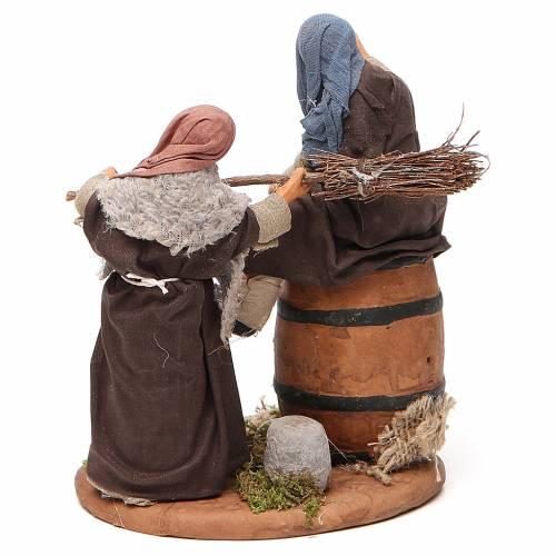 Scène homme bourré et femme avec balais 12 cm crèche Naples s3