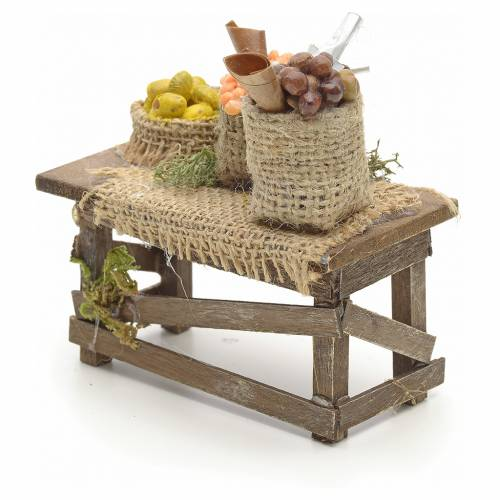 Table et sacs de jute, accessoire crèche Napolitaine s3