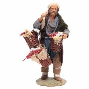 Uomo con cesta di pomodoro e aglio 24 cm presepe Napoli s1