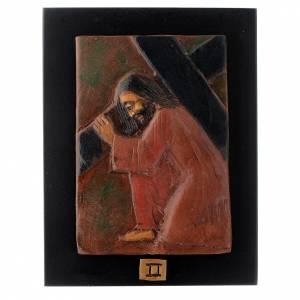 Via Crucis: Via Crucis 14 stazioni maiolica cuoio su legno bruno