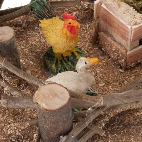 Volailles dans l'enclos décor crèche 16x10cm s3