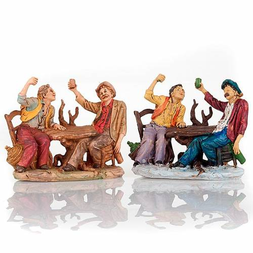 Bebedores a la mesa con vaso levantado 10 cm s1