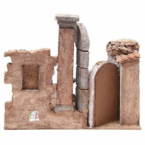 Borgo con colonna e ambiente presepe 35x35x25 cm s4
