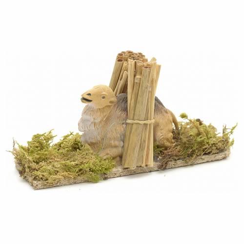 Camello sentado con leña 10 cm s1