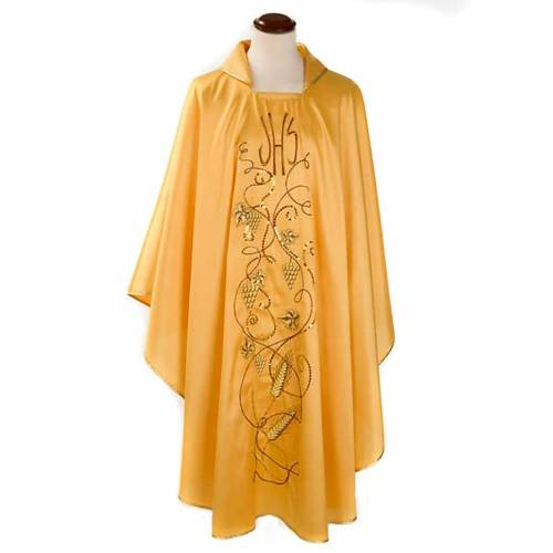 Chasuble with IHS symbol, grapes and ears of wheat - shantung s1