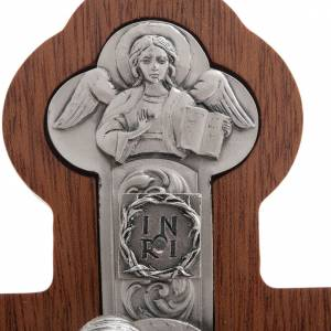 Crucifijo de metal plateado con los 4 evangelistas, con caoba s4