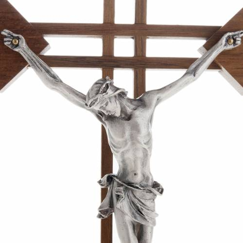 Crucifijo estilizado con cuadrados en madera de nogal s2